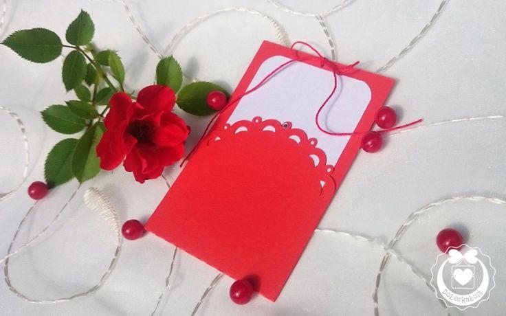 Papírtok: merész piros színnel