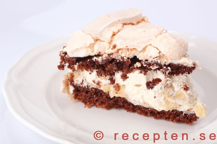 Chokladmarängtårta - Recept på chokladmarängtårta - en klassisk marängtårta med chokladsmak. Enkelt recept med beskrivande bilder steg-för-steg.