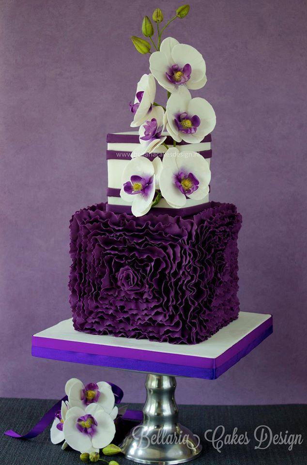 25+ best ideas about Purple wedding cakes on Pinterest ...