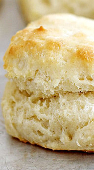 Flaky, fluffy southern buttermilk biscuits. ❊