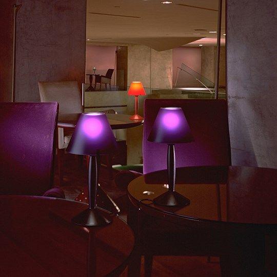 Criada em 1991, a luminária Miss Sissi é um ícone do trabalho de Phillippe Starck.