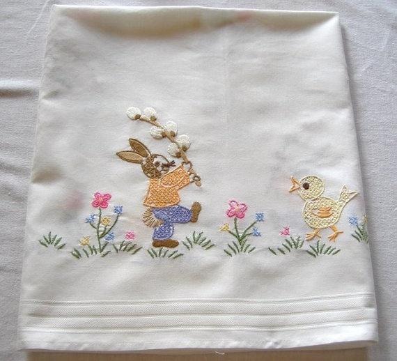 Vintage Easter - embroidered table runner