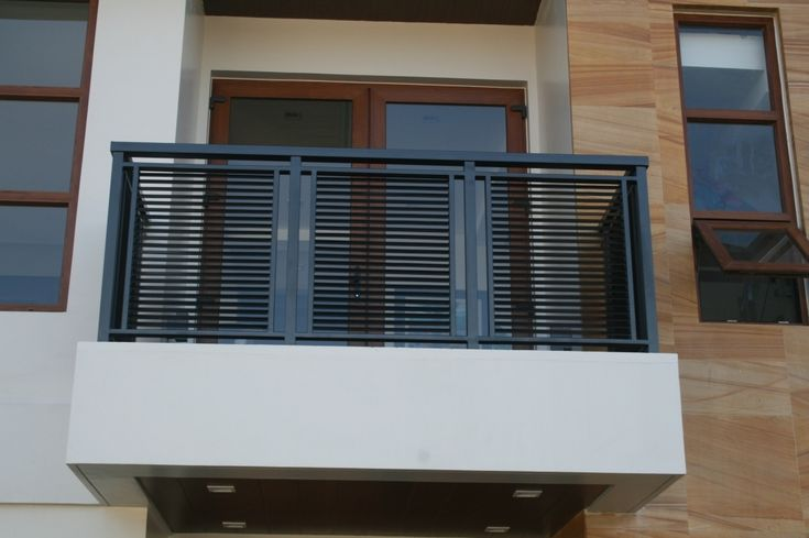 Balcony Wrought Iron Railing Designs and Tips - http://bbhome.info/balcony-wrought-iron-railing-designs-tips/