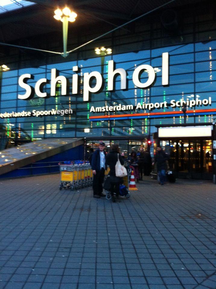Amsterdam Schiphol Airport httpwwwofonimeessiencomQkR1j Waar liefvirjou