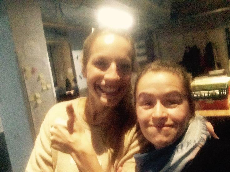 Laura und Mandy aus unserem Berliner UX Team waren als Coaches beim Code + Design Camp Berlin dabei
