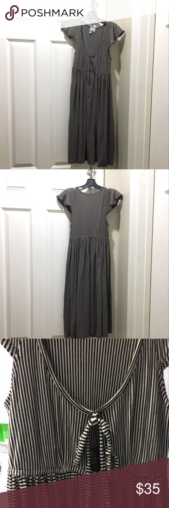 Plenty by Tracy Reese jersey striped midi dress Plenty by Tracy Reese dress. Size P (XS). Dress is a great everyday jersey fabric with cute black & tan stripes. Top has now detailing with great cut out to make this dress standout. Midi length. Open to offers! Plenty by Tracy Reese Dresses Midi