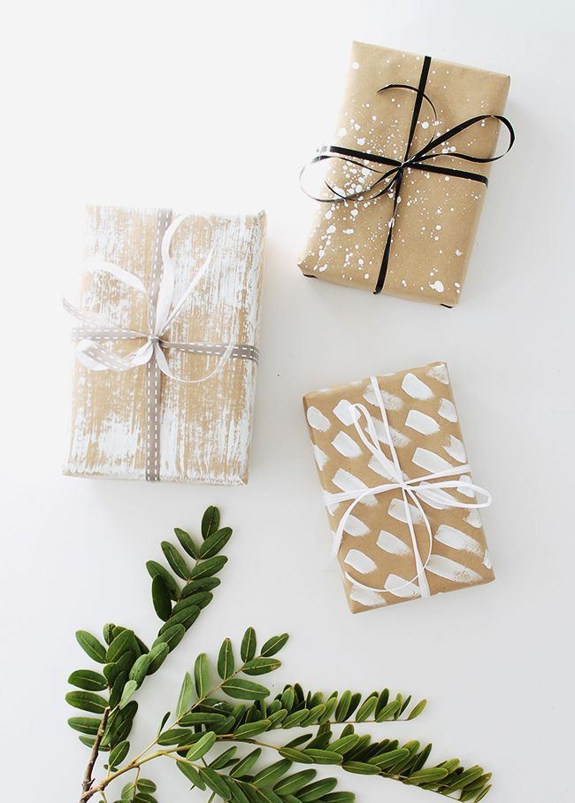Ordinary Plain Gift Wrapping Paper Part - 12: DIY White Paint On Craft Paper Christmas Gift Wrapping. See The Other 49 Of  Our Favourite Christmas Gift Wrapping Ideas By Clicking The Image Above ^