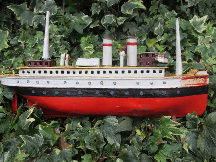 Marklin Luzern? 30cm clockwork boat liner with no name germany 1915-20 bing