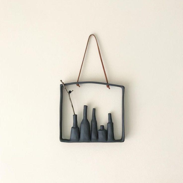 only one black will be available at Christmas Design market @qagoma this Saturday! . . #gomadesignmarket #pottery #handmadeinaustralia #ceramics #handbuilt #budvases #wallhanging #vase #wallart #핸드메이드도자기 #homedecor