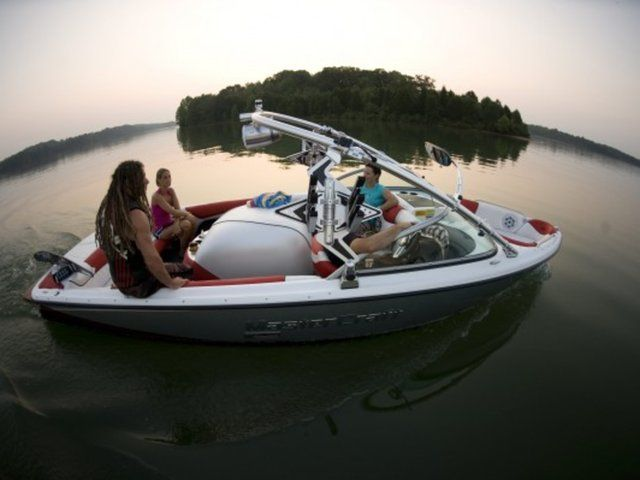 Barefoot Water Skiing Boom for your Master Craft Boat