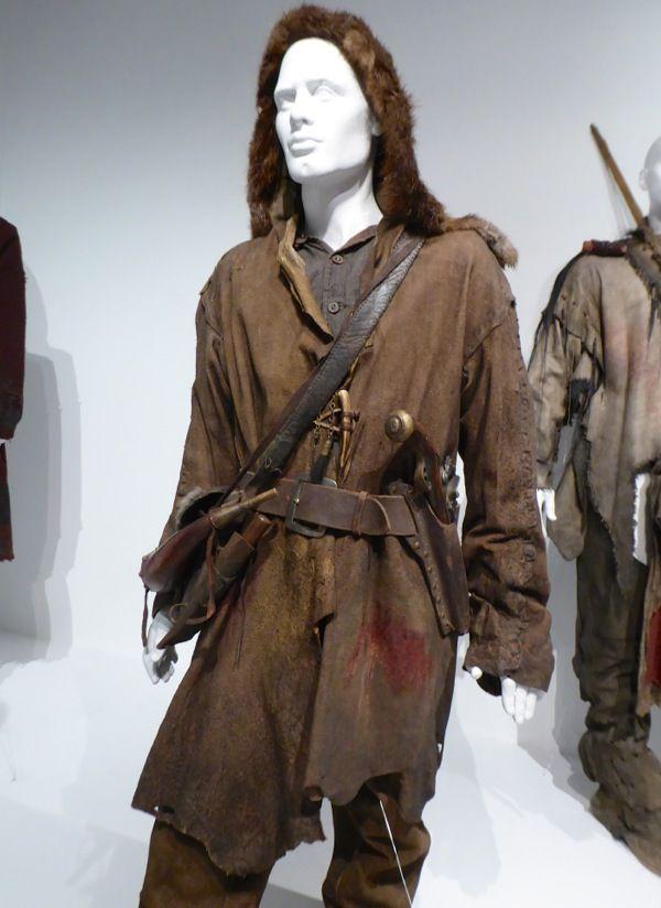 Leonardo DiCaprio The Revenant Hugh Glass costume