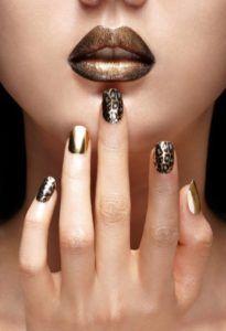 золотой маникюр с золотом