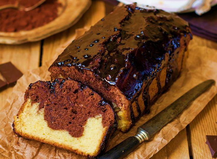 Chec cu glazură de ciocolată - desert rapid, ieftin, simplu de făcut și delicios până peste poate! Dacă urmeză pașii de mai jos o să îți iasă fix ca în poză