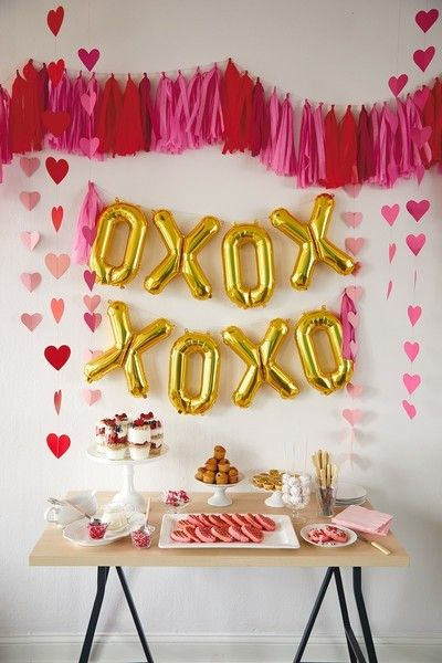 Decor On Fleek - Throw A Galentine's Day Party That'll Be Way Better Than A Boyfriend - Photos