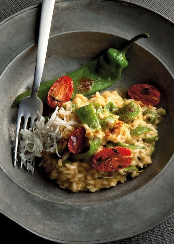 risotto affumicato alla paprica, peperoncini dolci, ricotta e datterini canditi / risotto with smoked paprika, sweet peppers, ricotta and candied datterini