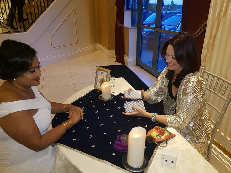 Loved reading Tarot at a beautiful wedding in Scarborough, Ontario. Posh wedding venue, was happy to be a part of a magical evening!