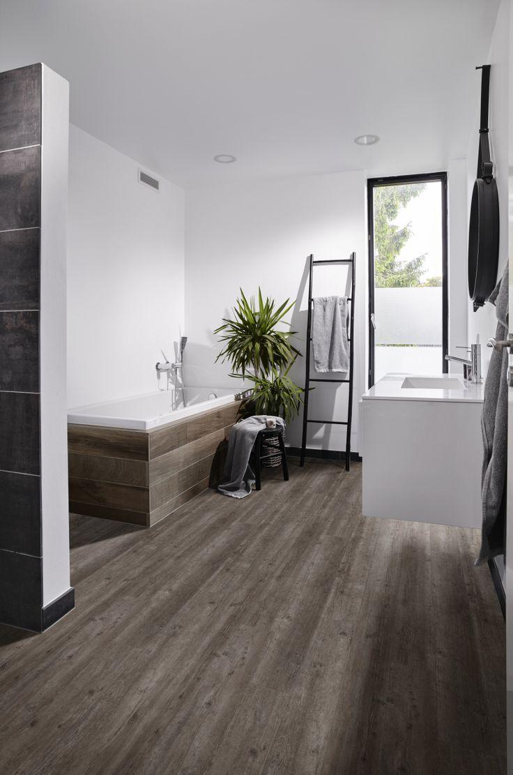 Pvc vloer voor bv in de badkamer met houtlook | Bestel tot 6 GRATIS stalen op…