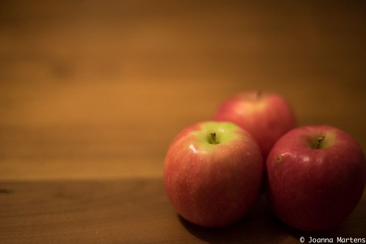 L1M1AS1 - PART D:C Light Room Adjustment of SPOT REMOVAL, BEFORE SHOT (CHECK OUT THAT NASTY SPOT ON THE APPLE)