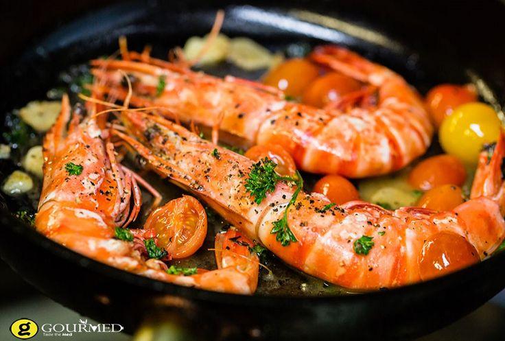 Γαρίδες με τοματίνια σκόρδο και σος μουστάρδας