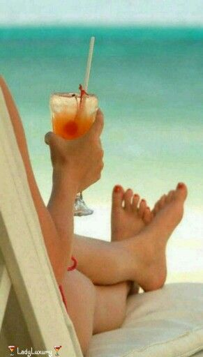Lady Luxe Summers- It's 5 O'Clock Somewhere....Cheers! ♔LadyLuxury♔