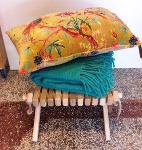 Imbarro paradise kussen met Klippan kleed en Ecofurn krukje
