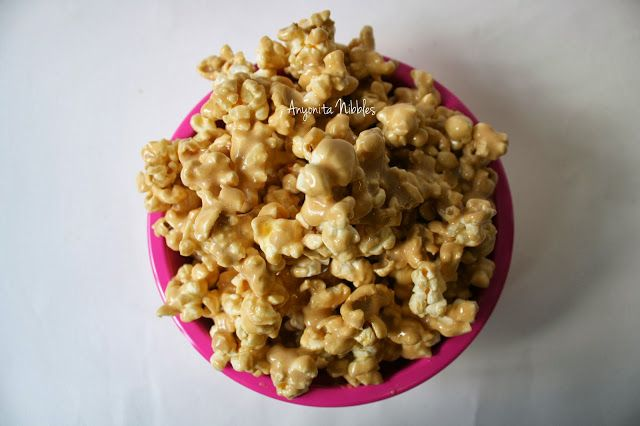 Perfect for Bonfire Night marshmallow caramel popcorn from www.anyonita-nibbles.com