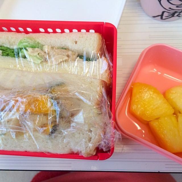 かぼちゃバジルチキン、ツナブロッコリー(*´∀`*)ノ - 43件のもぐもぐ - サンドイッチ、パイナップル by みやこ