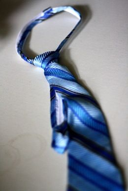 Great tutorial on making zipper ties for boys