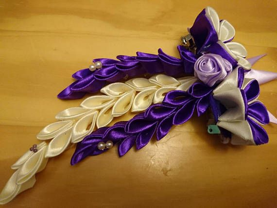 Check out this item in my Etsy shop https://www.etsy.com/listing/521215144/pretty-kanzashi-hair-clip