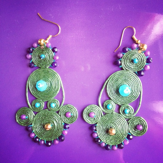 Handmade earrings embroidered in waxed cotton
