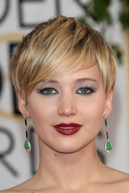 Pair Long Earrings With A Short Hair Cut Like Jennifer Lawrence For The Perfect Look