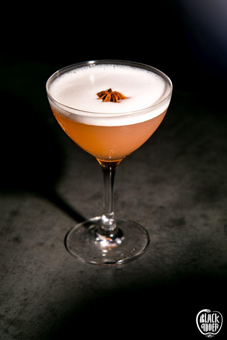 WESTERN FRONT Olmeca reposado tequila, lemon juice, orange curacao mix, egg white, creole bitters. Simple and sour / Τεκίλα, χυμός λεμόνι, λικέρ πορτοκάλι, βιολογικό ασπράδι αυγού και μπίτερς. Απλό και ξινό!!  #newcocktail #blackaddercocktails #westernfront #ilovecocktails #sourcocktail #blackadder #theblackadderpub #olmecareposadoteqila #tequilacocktail #blackadder