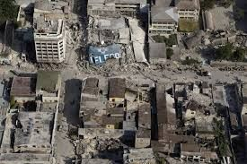 El 12 de Enero de 2010, en horas de la tarde  se registró un terremoto en la isla de Haití. A pesar que fue descartada la llegada de un trsunami a la isla, se registraron 316.000 fallecidos, 350.000 heridas y 1.5 millones de habitantes quedaron sin hogar. La magnitud de este terremoto fue de 7.3 en la escala de Richter.