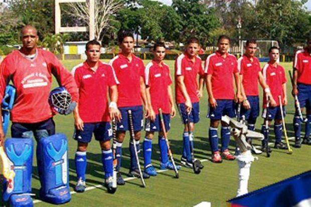 En hockey, Cuba jugó con 8 jugadores y perdió 13-0: desertó medio equipo que fue a Toronto - Hockey sobre césped - canchallena.com
