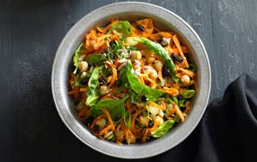 Moroccan Chickpea, Carrot & Spinach Salad