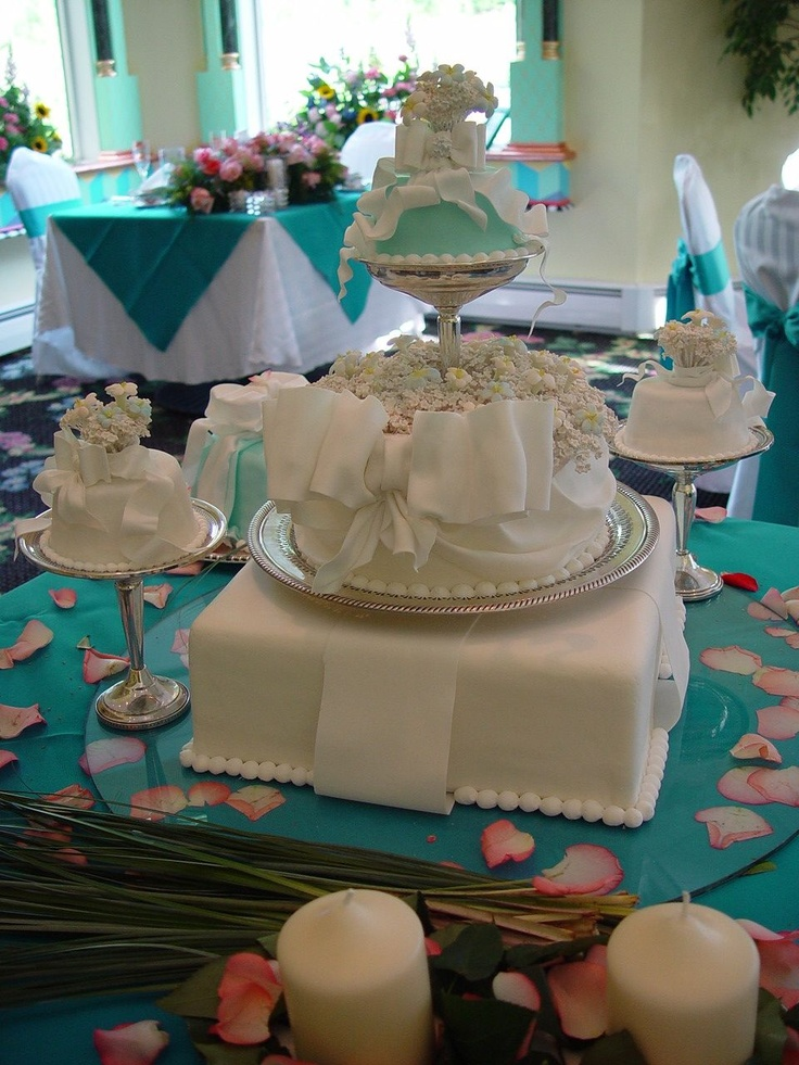 One of my sweet little cakes for a small wedding.  Each guest received a small tiffany cake of their very own on little sterling nut trays.