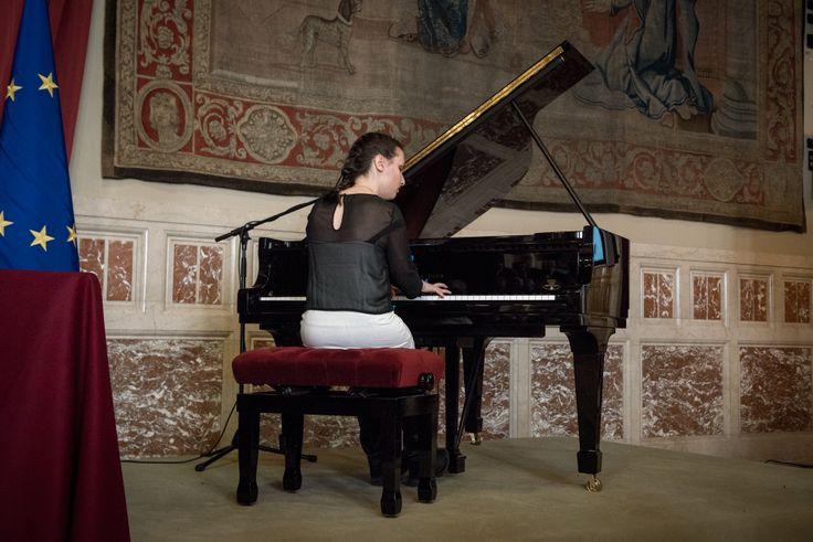 La straordinaria giovane pianista Luciana Canonico ha aperto la terza relazione annuale