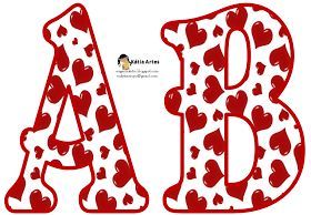 Alfabeto relleno con corazones rojos.