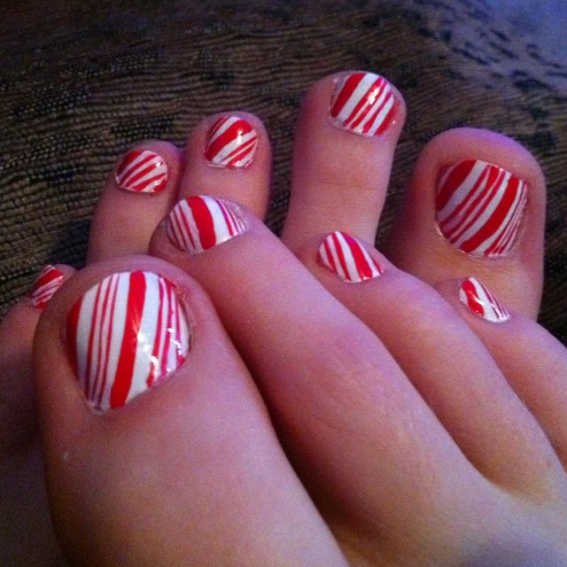 Candy cane toes: Candy Caneto, Candy Canes Nails, Canes Toes Might, Nails Art, Hair Beautiful Nails, Nails Design, Candy Cane Nails, Piccsi Mobiles, Canes Toe Might