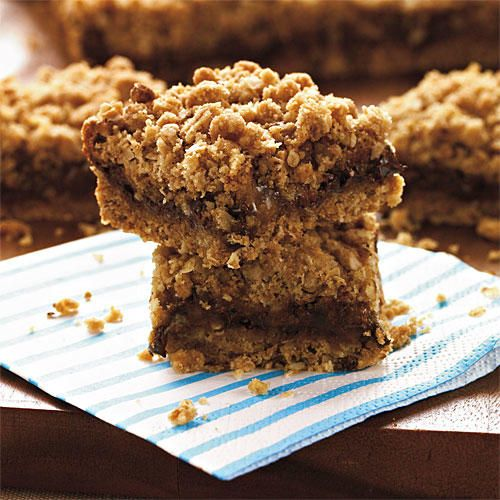 Oatmeal Carmelitas - Chewy and Delicious Oatmeal Cookies - Southernliving. Recipe: Oatmeal Carmelitas  Caramels, chocolate morsels, and pecans are combined for a fast-disappearing treat.