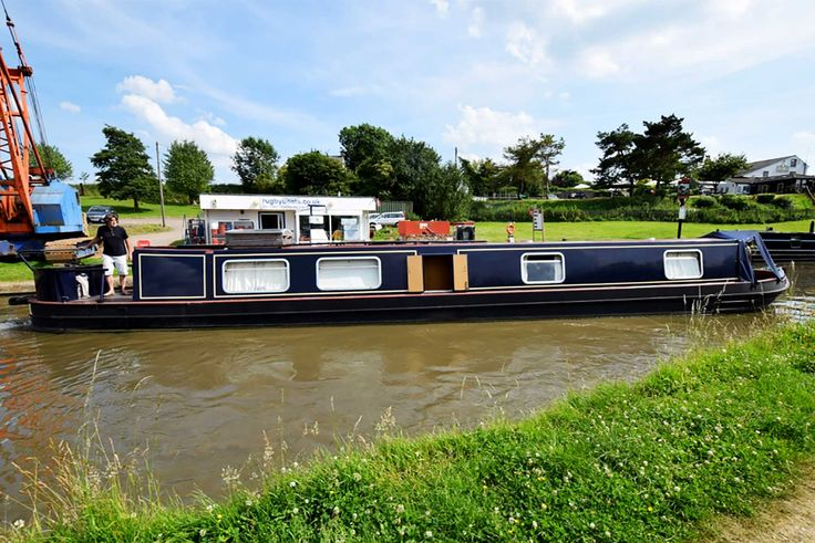 Godstow - 2006 57ft Cruiser stern narrowboat - Rugby Boats