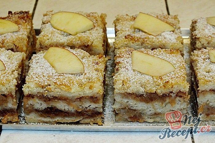 NapadyNavody.sk | Sypaná hrnčeková buchta s jablkami