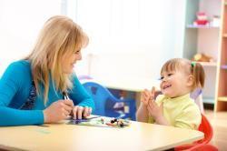 Своими руками для безопасных игр малышу: рецепты изготовления красок и пластилина | Справочник здоровья