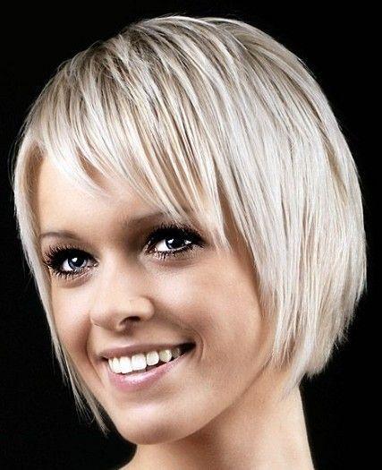 Blond kort half lang kapsel - Korte Kapsels Dames | Korte kapsels dames - Moderne korte kapsels van 2012