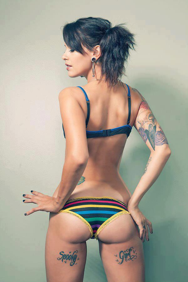29 best tattoo shoot inspiration images on pinterest for Hot female back tattoos