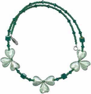 Beaded Shamrock NecklaceGreen Shamrock, Patti Crafts, Crafts Ideas, Jewelry Crafts, Green Beads, Beads Shamrock, Patricks Crafts, Diy Jewelry, St Patricks Day