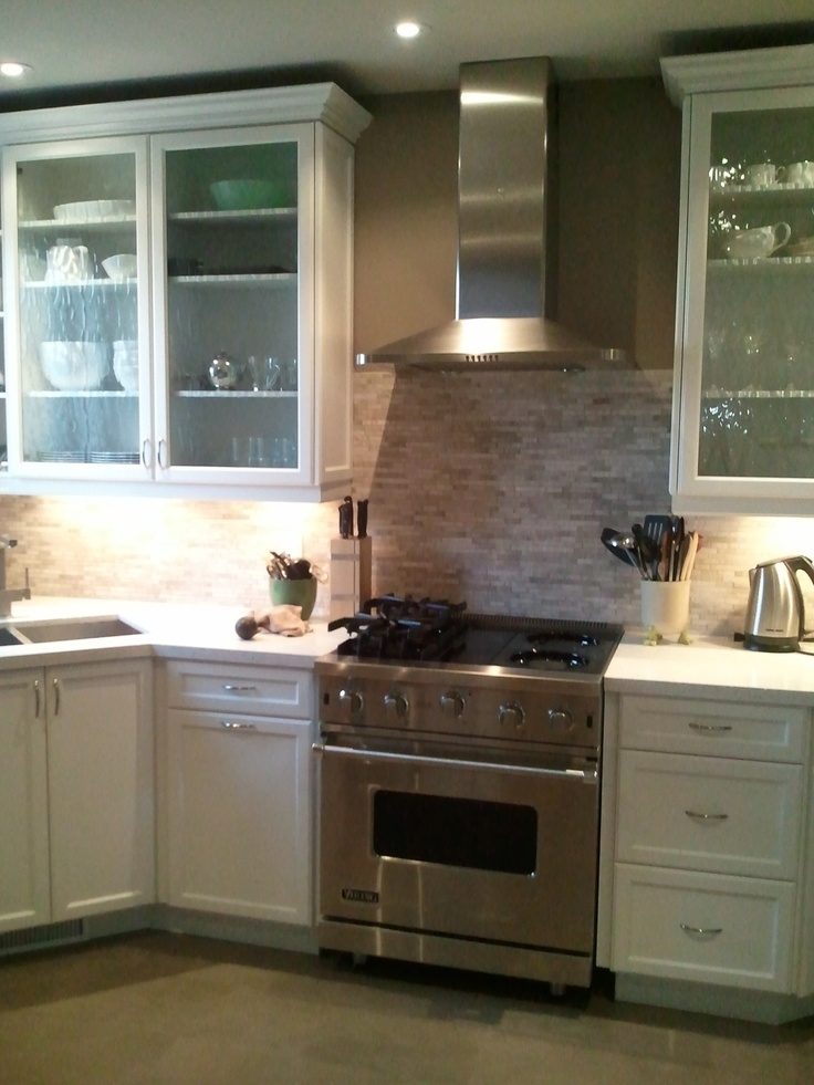 Backsplash it 39 s a travertine limestone mosaic tile for Aya kitchen cabinets