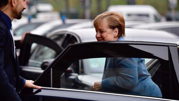 Weißer Jamaika-Rauch oder Donnerschlag am Donnerstag? Bundeskanzlerin Angela Merkel (63) kommt am MIttwochmorgen zum vorletzten Tag der Sondierungsgespräche