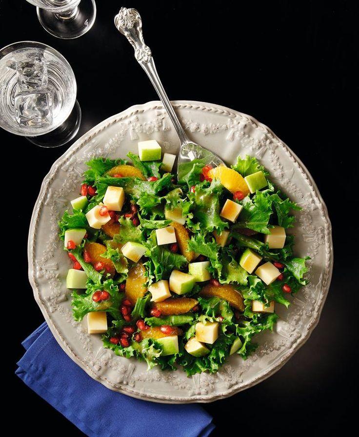 Μια διαφορετική σαλάτα με συνδυασμούς γεύσεων που «σπάνε» την πικρούτσικη γεύση των αντιδιών
