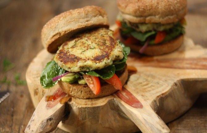 Hambúrguer de batata doce com quinoa. Foto: Divulgação
